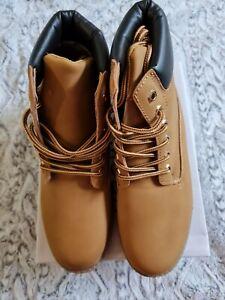 NWB Top Moda Wanda Combat Boots Camel Tan Boots Women's Size 8.5/ Men's Size 7
