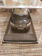 VW Phaeton by Minichamps