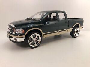 1/18 Diecast Welly 2002 Dodge Ram 1500 Quad Cab Laramie CUSTOM V10 Wheels 2 Tone