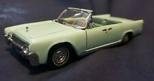 New Listing1961 Lincoln Continental - Franklin Mint Diecast Model 1:43 Scale