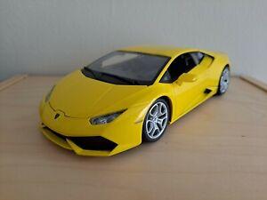 1:18 Bburago Lamborghini Huracan LP 610-4 (Yellow) 11038