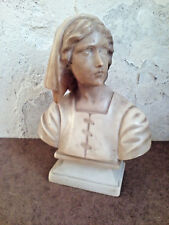 Trés joli buste de Jeanne D'arc en marbre.