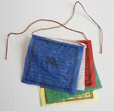 5 petits drapeaux à prières tibétains 12,5 x 12,5 cm (1,20 m)