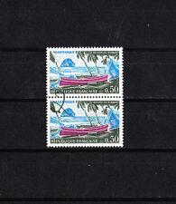 variété  timbre France Martinique paire trainée  de couleur verte  NUM: 1644 **