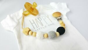 Pacifier clip• Gender neutral• Baby gift• Binky clip• Pacifier holder