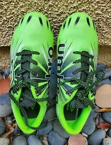 UMBRO Boys Girls Soccer Shoes Cleats Size 1 US Black Green