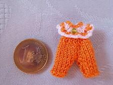 süßes Miniaturen Baby Strickoutfit Modeladen Kinderzimmer 1:12 orange