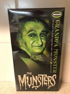 Moebius Models Grandpa Munster 1:9 Scale Model Kit-New in Box/ 2013