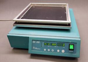 Jeio Lab Companion SK-300 300mm x 300mm Platform Shaker