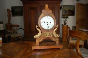 SignierteTischuhr,Pendule mit Messingverziehrungen  Biedermeier,Antike Uhr.
