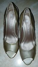 PARKER-ROCHE GOLD PATENT LEATHER PEEP TOE SHOES - SIZE 38 - RRP $189.00