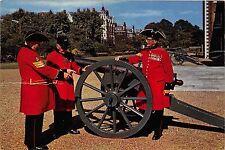 Bg32783 chelsea pensioners london military  uk