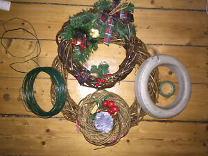 3 x Christmas Wreaths Incl Kit Chistmas Decorations