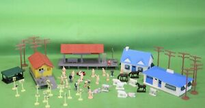 Model Railroad Trains HO Scale Track Accessories People Animals Figures Signs ++