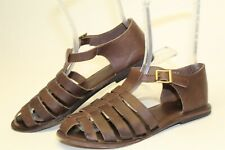 Urban Outfitters Womens Size 9 Leather Buckle Fisherman Flat Sandals Shoes