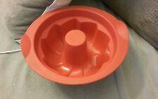 Moule silicone tupperware à brioche kouglof rouge le petit servi 2 fois