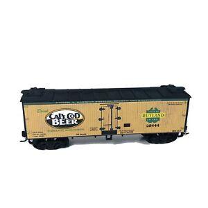 HO Custom Lettered Beer Reefer Car - Cape Cod Beer
