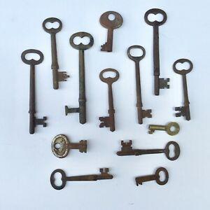 Antique SKELETON Keys Cast Iron Vintage Jewelry Crafts Clocks LOCK STEAMPUNK LOT