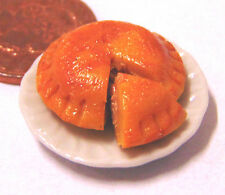 1:12 Pork Pie On Ceramic Plate Dolls House Miniature Shop Kitchen Food Accessory