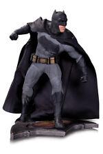 """Batman Aug150303 """"batman VS Superman"""" Dawn of Justice Statue"""