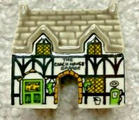 WADE COACH HOUSE GARAGE VILLAGE OF THE BROADLANDS, PARTY CRACKERS, 1988 **RARE**