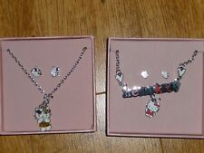 Enfant HELLO KITTY Collier et boucles doreilles X2 sets