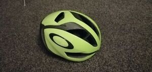 Oakley ARO5 aero Road Helmet Size Medium Boa Mips