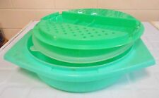 Vintage Tupperware multi purpose grater with seal - Excellent Condition