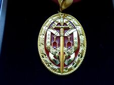 More details for knight bachelor & ribbon reproduction neck badge with presentation box falklands