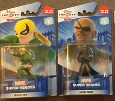 2 X Disney Infinity 2.0 Spider-man figures Iron Fist & Nick Fury Entièrement neuf dans sa boîte