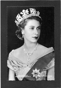 Her Majesty QUEEN ELIZABETH II.  RPPC by Dorothy Wilding.