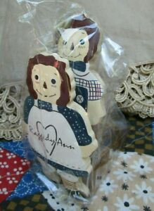RARE Primitive Folk Art Raggedy Ann & Andy 1993 WOODEN DOOR STOPPERS Japan