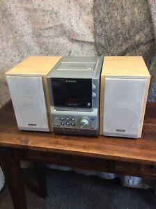 Samsung Compact Mini Shelf HiFi Stereo Great Sound CD Tape & Radio MM-ZJ8DAB -R-