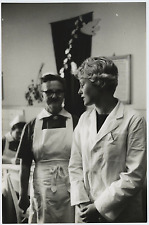 Young doctor and nurse Vintage silver print Tirage argentique  20x30  Circ
