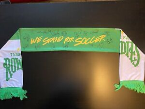 Tampa Bay Rowdies Signed Scarf by 17 Players Autograph Soccer