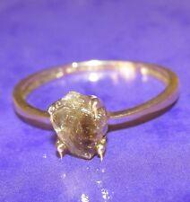 Su misura 9 KT ORO GIALLO 1.00 KT Ruvido Cristallo Solitario Anello Taglia Q1/2
