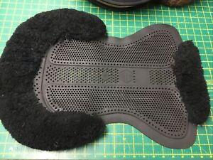 Gelee/Sheepskin Comfort Saddle Pad  Large ,Black . (ref 53G)