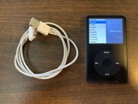 Apple iPod classic 6th Generation Black (80 GB) Bundle