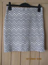 Ladies New Look Sz 12 Black/White Stretchy Skirt VGC