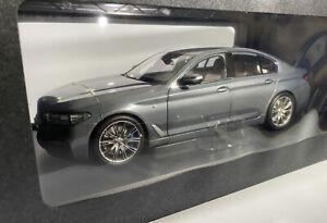 BMW 5-Series G30 Bluestone Grey Dealer Edition, 1:18 Scale - 80432413788