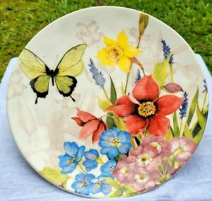 """Pier1 Imports 9"""" Floral Bouquet Salad Dessert Plates Butterfly Daffodils Violets"""