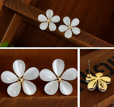 Fashion Women Silver Plated White Flower Crystal Rhinestone Ear Stud Earrings