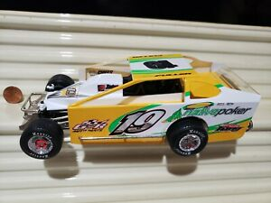 NUTMEG COLLECTIBLES 1/25 DIRT MODIFIED Race Car New in *C9 Mint Box