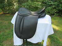 """Gorgeous NEW 17"""" Wide W Ashley and Clarke England Buffalo Dressage Saddle Black"""