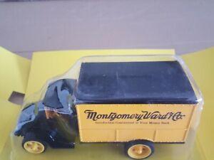 """ERTL Mack 1926 Delivery Van Bank w/ Lock """"Montgomery Ward """" Die Cast Metal 1/38"""