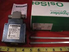 Telemecanique XCKMR54D2 Limit Switch XCKMR 068195 240v 3a Schneider OsiSense New