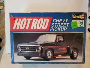 Vintage 1987 Revell 7135 Hot Rod Chevy Street Pickup 1:25 Damaged/No decals