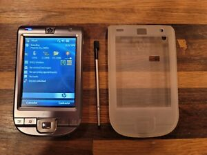 HP 110 Classic Handheld PDA with Stylus, case and usb cable