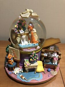 RARE Disney The Aristocats Musical Snow Globe Plays Everybody Wants To Be A Cat