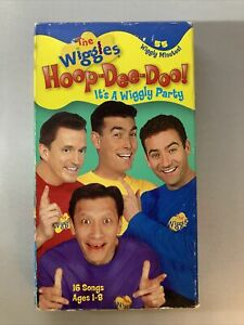 THE WIGGLES HOOP-DEE-DOO! It's a Wiggly Party Vhs Video Tape 16 Songs Music 2003
